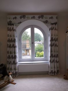 Arched pelmet to echo window by Honeybee Handmade Window Pelmets, Arched Window Coverings, Curtains For Arched Windows, Arched Doors, Curtains With Blinds, Valances, Arch Windows, Curtain Pelmet, Porch Fireplace