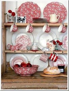 .not a huge fan of red but I love this sideboard display