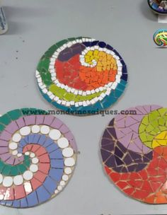 Mosaic Crafts, Mosaic Projects, Mosaic Art, Mosaic Planters, Mosaic Garden, Mosaic Stepping Stones, Garden Inspiration, Stained Glass, Coasters