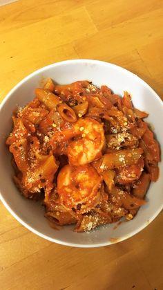 Spicy shrimp pasta cooked in garlic tomato cream sauce [homemade]