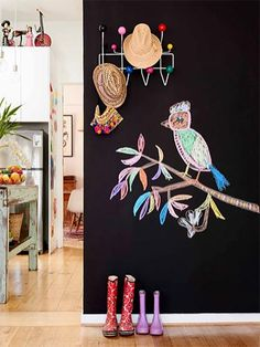 Fresh ideas and favourite looks for a stunning entry way. Photo via Child Mags. Chalkboard Pictures, Chalkboard Paint, Blackboard Wall, Deco Bobo, Chalk It Up, House Paint Exterior, Step By Step Painting, Blackboards, House And Home Magazine