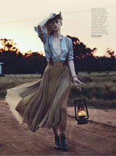 see you at sundown: elizabeth debicki by will davidson for vogue australia december 2012 | visual optimism; fashion editorials, shows, campaigns & more!