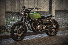 Кастом Honda CM400 «Great Escape» от Jasin Motorcycles Железный занавес. Холодная война. США в СССР. 60-е и 70-е годы были тяжелыми для Восточной Европы. С жестким коммунизмом, управляющим носом и нацистской оккупацией, все еще свежей в умах большинства людей, неудивительно, что такой �