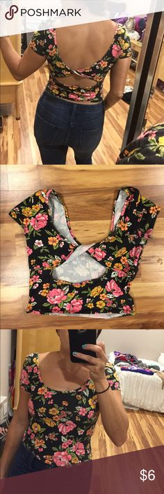 Flower crop top Flower crop top with twisted back. Forever 21 Tops Crop Tops
