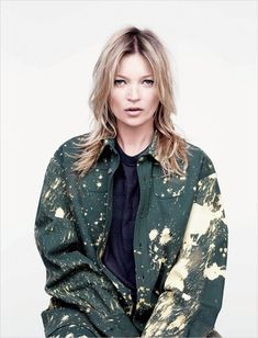 Kate Moss in Raf Simons/Sterling Ruby for AnOther Magazine Photography by Willy Vanderperre, Styling by Olivier Rizzo Kate Moss, Style Work, Mode Style, Ella Moss, Raf Simons Sterling Ruby, Moss Fashion, Fashion Tape, Net Fashion, Style Fashion