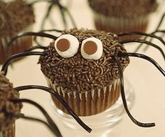 Daddy Longlegs Cupcakes: This creepy crawler of a cupcake is popular with web slingers of all sizes.