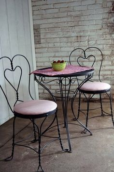 Ice Cream Table And Chairs Fabric Dining With Arms 25 Best Restoring Ideas Images Parlor Vintage Chair Makeover Furniture Diy Patio