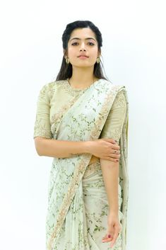 Rashmika Mandanna beautiful stills in ivory saree - South Indian Actress Beautiful Girl Photo, Beautiful Girl Indian, Beautiful Saree, Beautiful Women, Stylish Sarees, Stylish Dresses, Most Beautiful Bollywood Actress, Beautiful Actresses, Simple Sarees