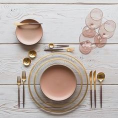 • /°Z • wooden table • blush • Getting in the mood for Fall With our Halo Glass Chargers/Dinnerware in 24k Gold + Custom Heath Ceramics in Sunrise + Goa Flatware in 24k Gold/Wood + Bella 24k Gold Rimmed Stemware in Blush + 14k Gold Salt Cellars + Tiny Gold Spoons #cdpdesignpresentation #