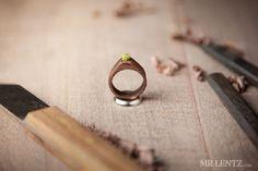 Anello di fidanzamento di donne legno o un anello di di MrLentz