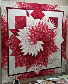 Summer Solstice is a Judy Niemeyer Qulting Company specializing in the design, publication and teaching of Foundation Paper Piecing Quilt patterns. Judy's patterns and techniques have helped thousands of quilters, of all skill-levels, produce stunning, co Bargello Quilts, Patchwork Quilting, Paper Pieced Quilts, Star Quilt Blocks, Star Quilt Patterns, Paper Piecing Patterns, Star Quilts, Lone Star Quilt Pattern, Bargello Patterns