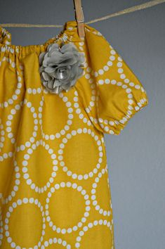 yellow n hite dress 3t