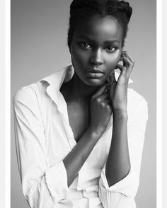 See this Instagram photo by @lou.deng • Afro hair. Natural hair. Kinky hair. Models with natural hair. Dark skin models. Dark skin beauty. Dark skin girls. Dark skin women. Natural beauty.
