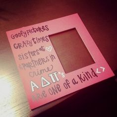 ADPi <> adorable picture frame idea!
