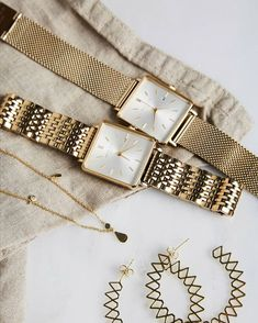 acsesuares accessories something special Cute Jewelry, Gold Jewelry, Jewelry Accessories, Fashion Accessories, Fashion Jewelry, Women Jewelry, Accesorios Casual, Estilo Fashion, Stylish Watches