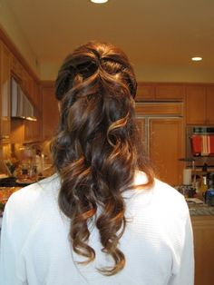 curly half up half down hair style
