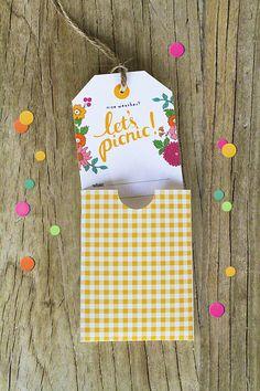 "Free ""Let's Picnic!"" for picnic Picnic Invitations, Printable Invitations, Invitation Cards, Invites, Printable Tags, Invitation Ideas, Invitation Design, Printables, Picnic Birthday"