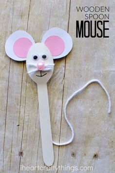 Adorable wooden spoon, mouse crafts for kids. You can help this cute animal craft as a puppet to tell you their favorite mouse story. Fun summer craft activities for kids. Picket spoon, mouse crafts for teenagers Animal Crafts For Kids, Craft Activities For Kids, Toddler Crafts, Preschool Crafts, Projects For Kids, Kids Crafts, Art For Kids, Easy Crafts, Craft Kids