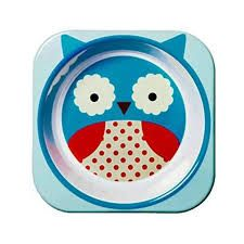This adorable Zoo owl bowl from Skip Hop is easy to clean and colorful. The playful zoo theme keeps kids entertained before, during and after mealtime! Match this Zoo owl bowl with Zoo owl utensils, plate and bottle or mix this bowl with the many other Zoo character related items that Skip Hop has to offer.