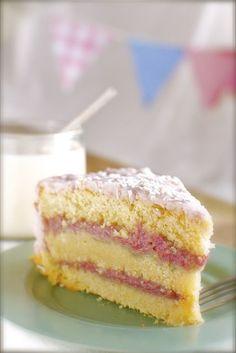 Vegan Raspberry Zinger Coconut Cake {gluten-free} (with Raspberry Cashew Cream Filling and Pink Fluffy Coconut Frosting) Vegan Treats, Vegan Foods, Vegan Desserts, Just Desserts, Delicious Desserts, Vegan Recipes, Yummy Food, Raspberry And Coconut Cake, Coconut Cakes