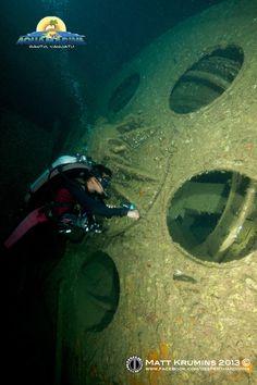 Diving One of the World's Biggest Wrecks: The SS Coolidge in Espiritu Santo…