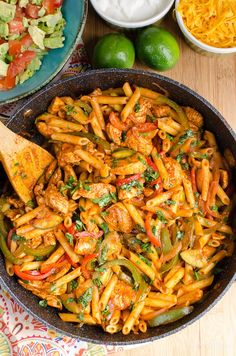 Slimming Eats Syn Free Chicken Fajita Pasta - gluten free, Slimming World and Weight Watchers friendly Healthy Mummy Recipes, Healthy Work Snacks, Easy Healthy Breakfast, Lunch Recipes, Mexican Food Recipes, Spicy Recipes, Diet Recipes, Healthy Food, Healthy Eating