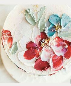Textured Buttercream Painting Wedding Cakes ~ no need for a cake topper with this bold palette knife painting of flowers. I am in love with the idea of palette knife painting Pretty Cakes, Cute Cakes, Beautiful Cakes, Amazing Cakes, Decoration Patisserie, Painted Wedding Cake, Painted Cakes, Buttercream Cake, Buttercream Flowers