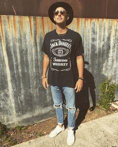 Kade Speiser Kade Speiser, Jack Daniels, Youtubers, Hipster, Hats, Style, Fashion, Swag, Moda