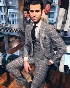 Alessandro Mele by Suitsupply F/W 2016 presentation