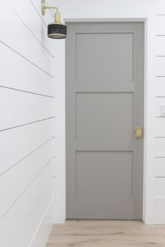 Choosing Interior Door Styles and Paint Colors: Trends Interior Door Colors, Grey Interior Doors, Interior Door Styles, Painted Interior Doors, Door Paint Colors, Painted Doors, Grey Doors, Beach Style Interior Doors, Shaker Style Interior Doors