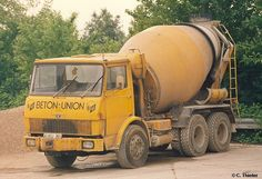 Hanomag/Henschel ? Types Of Concrete, Old Lorries, Mixer Truck, Concrete Mixers, Classic Trucks, Old Trucks, Cars And Motorcycles, Vehicles, Busse
