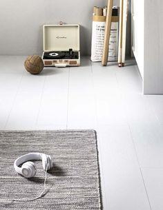 KARWEI   Dit laminaat vormt een mooie neutrale basis. #vtwonen vloer kamer Kiki