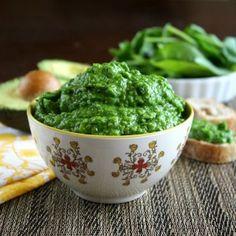 Spinach and Avocado Dip - Paleo St. Patrick's Day Recipes. Recipe courtesy of primalpalates.com. #paleo #dip #stpaddysday