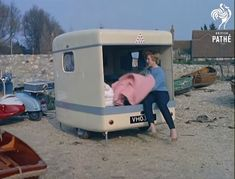 This Mini Caravan Was Created In 1959. What It Transforms Into Is Absolutely Brilliant http://www.wimp.com/mini-caravan/