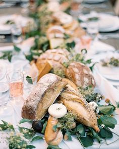 Bread makes for a great wedding appetizer as well as table decor. Your guests wi… Bread makes for a great wedding appetizer as well as table decor. Your guests will appreciate the pre-dinner snack as well as the unique edible decoration appeal! Drink Bar, Wedding Appetizers, Wedding Desserts, Wedding Foods, Banquet, Festive Bread, Bread Bar, Fresco, Provence Wedding