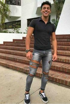 old man style Tight Jeans Men, Superenge Jeans, Sexy Jeans, Super Skinny Jeans, Old Man Fashion, Mens Fashion, Riped Jeans, Casual Outfits, Men Casual