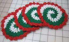Pinwheel Christmas Coaster Set. Free tutorial & video.