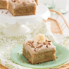 Browned Butter Banana Blondies - Taste of the South Magazine Mini Desserts, Just Desserts, Delicious Desserts, Yummy Food, Tasty, Cookie Brownie Bars, Brownie Cake, Banana Dessert, Dessert Bars