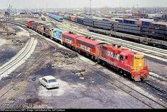 Rock Island Railroad, Islands In The Pacific, Railroad History, Model Train Layouts, Round House, Model Trains, Locomotive, The Rock, Missouri