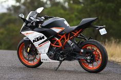 Image: Alex Gobert. Desktop Background Pictures, Best Photo Background, Studio Background Images, Ktm Rc 200, Ktm Rc8, Bullet Bike Royal Enfield, Duke Bike, Ktm Duke 200, Ktm Motorcycles