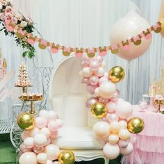 Minnie Mouse Birthday Theme, 1st Birthday Girl Decorations, Minnie Mouse Party Decorations, Minnie Mouse Baby Shower, Minnie Mouse Pink, Happy Birthday Banners, Baby Shower Decorations, 2nd Birthday, Birthday Parties