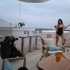 Oggi soothing su uno splendido yacht per @missartemodaitalia  #mada #fashion #womenfashion #instaitalia #instaitaly #italy #fascinator #instagood #instadaily #instalike #madeinitaly #arte #artigianato #artigian #ragazza #style #hatsummer #hat #cloche #accessories #artigianatoitaliano #accessoryaddict #modella #modelle #model #igers #igersoftheday #portrait #love #girl