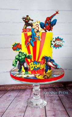 Add one of these super cool superhero cakes to your superhero party to make it extra special. These fun super hero cakes will be the start of your party! Avengers Birthday Cakes, Superhero Birthday Cake, Superhero Party, Cake Birthday, 5th Birthday, Superhero Cosplay, Star Wars Birthday, Star Wars Party, Birthday Ideas