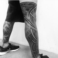 polynesian tattoos at the back Leg Tattoo Men, Leg Tattoos, Body Art Tattoos, Tribal Tattoos, Sleeve Tattoos, Tattoo Art, Tattos, Polynesian Leg Tattoo, Polynesian Tattoo Designs