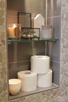 Eigen Huis en Tuin | Praxis. Een mooi hoekje voor al je badkamer spulletjes en decoratie.