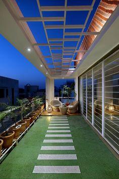 Rooftop Terrace Design, Terrace Garden Design, Home Garden Design, Home Room Design, Dream Home Design, Home Interior Design, Small Balcony Design, Small Balcony Garden, Small Balcony Decor