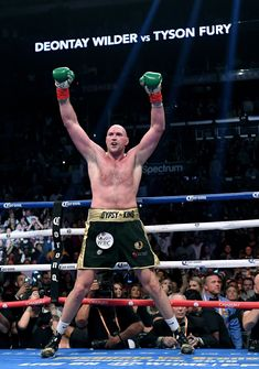 Tyson Fury accuses Deontay Wilder of avoiding heavyweight rematch Ufc Boxing, Boxing Fight, Boxing Gym, Boxing Training, Boxing Images, Professional Boxing, Heavyweight Boxing, Tyson Fury, Boxing Champions
