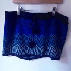 3 for $15! Blue chevron winter mini skirt Worn once, perfect condition. Black and blue winter mini skirt with a chevron design, size small, can fit medium as well. Thank you for visiting my closet, please let me know if you have any questions, I offer great discounts on bundles :) Skirts Mini