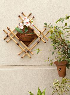 Frame with Ornamental flowerpots fiber