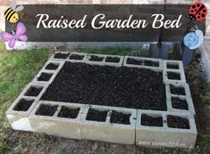 Want to learn how to build a raised bed in your garden? Here's a list of the best free DIY raised garden beds plans & ideas for inspirations. Raised Garden Bed Plans, Raised Bed Garden Design, Garden Design Plans, Raised Beds, Raised Herb Garden, Raised Gardens, Diy Herb Garden, Raised Planter, Edible Garden